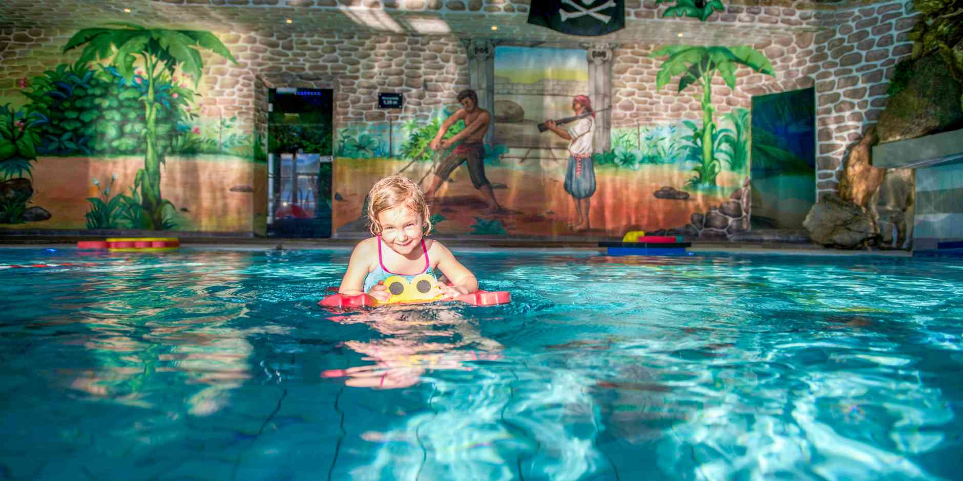 Kinder Pool in der Piratenwelt